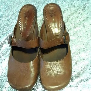 Leather BareTraps Shoes size 10 Mary janes